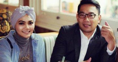 Gaya Hijab Rina Nose Menginspirasi Ridwan Kamil
