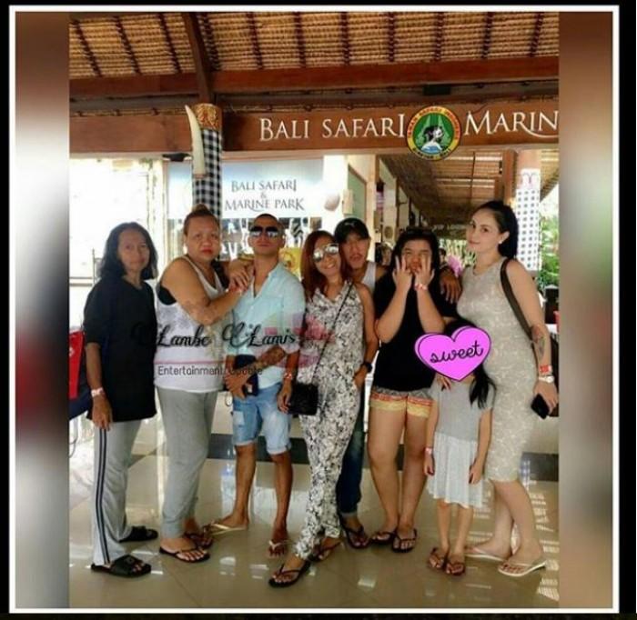 Perut Jennifer Dunn Bikin Salfok Saat Liburan di Bali