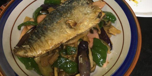 鯖の焼き魚と野菜炒め