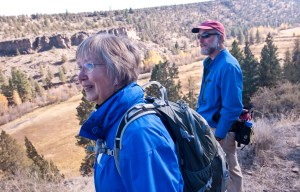 Mary Crow leads a hike at Rimrock Ranch for the Deschutes Land Trust. (Photo: Lynn Kethcum)