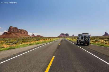 Cruzando pelo Monument Valley
