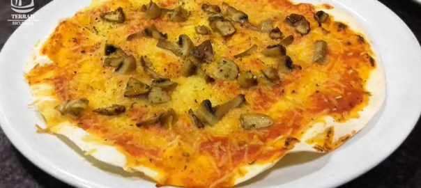 Pizza de ceps