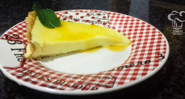 Pastel exotico de mango