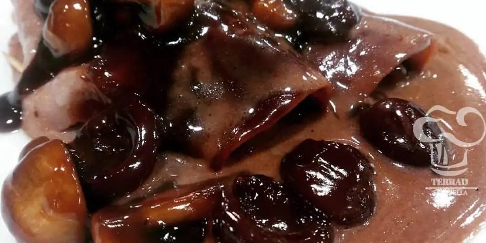 Receta de jamón en dulce al oporto con cerezas