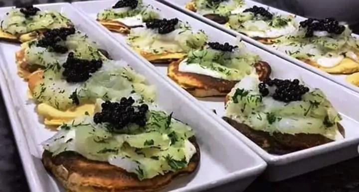 Receta de blinis de bacalao con salsa tártara