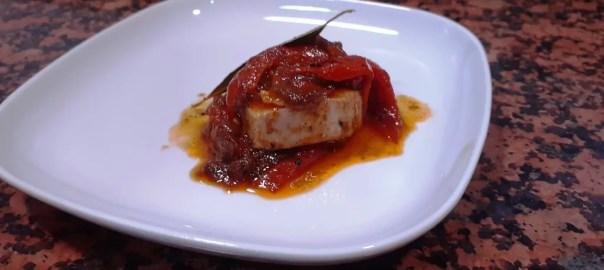 Receta de bonito con tomate y pimientos