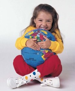17_child with world