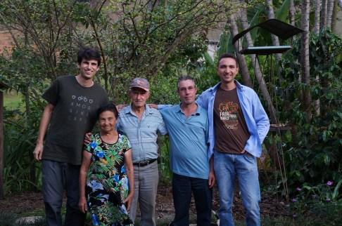 Acauã em visita a Luisburgo, com o casal Adelina e Nagipe Klem, filho Cláudio e cooperador Juan Vargas.