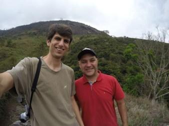 Acauã - mestre de torra da Terra Natal - com o produtor Alexandre do Sítio Bela Vista.