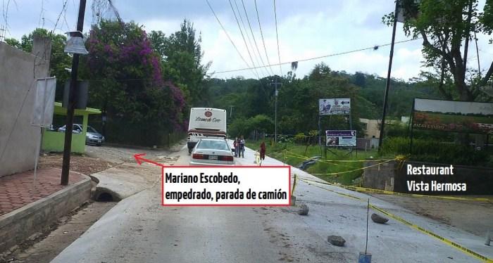 Imagen de la entrada de la calle Mariano Escobedo en la carretera vieja a Coatepec
