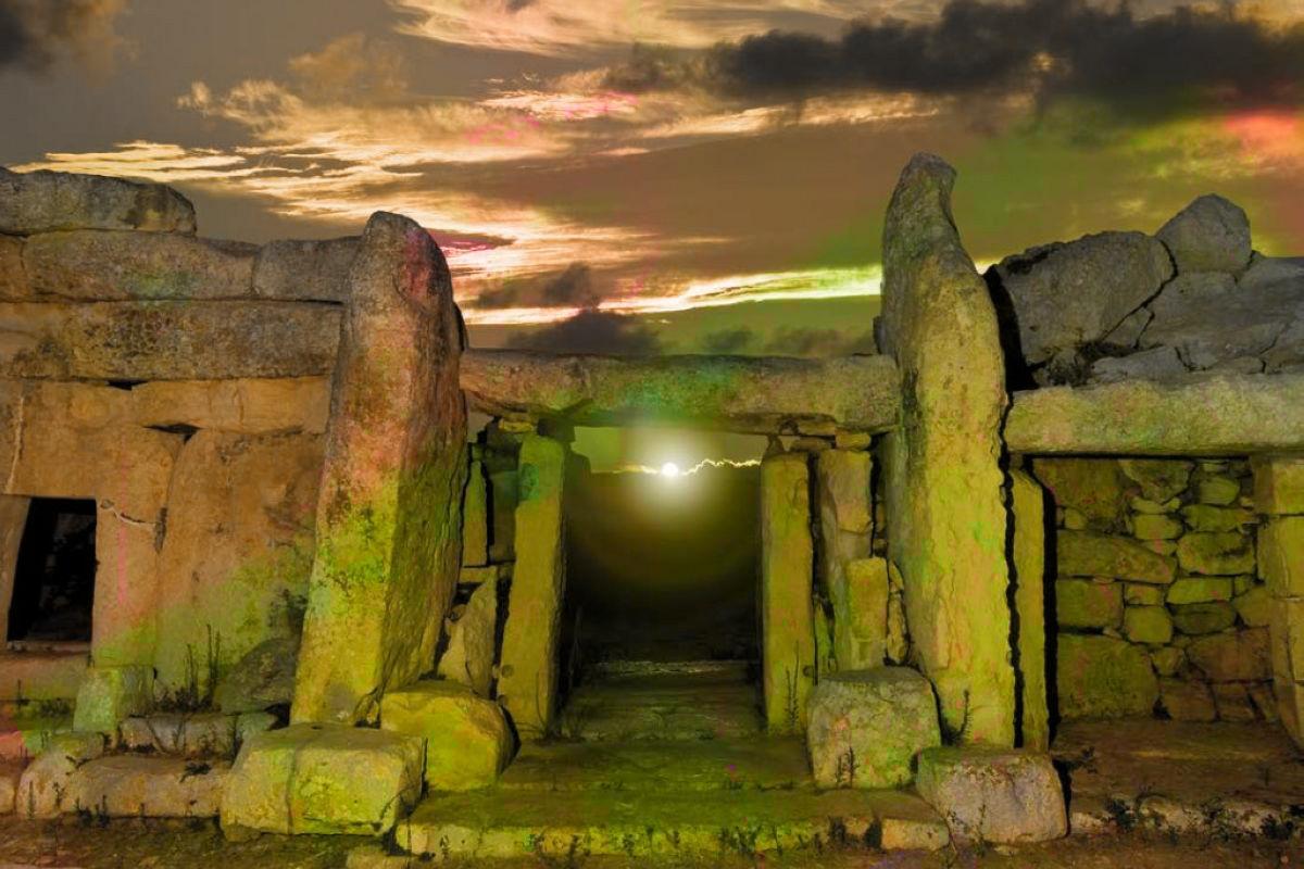 terrapapers.com_mnajdra-temples-chris-everard-megalith-
