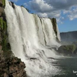 Las Cataratas de Iguazú y safari en gomones