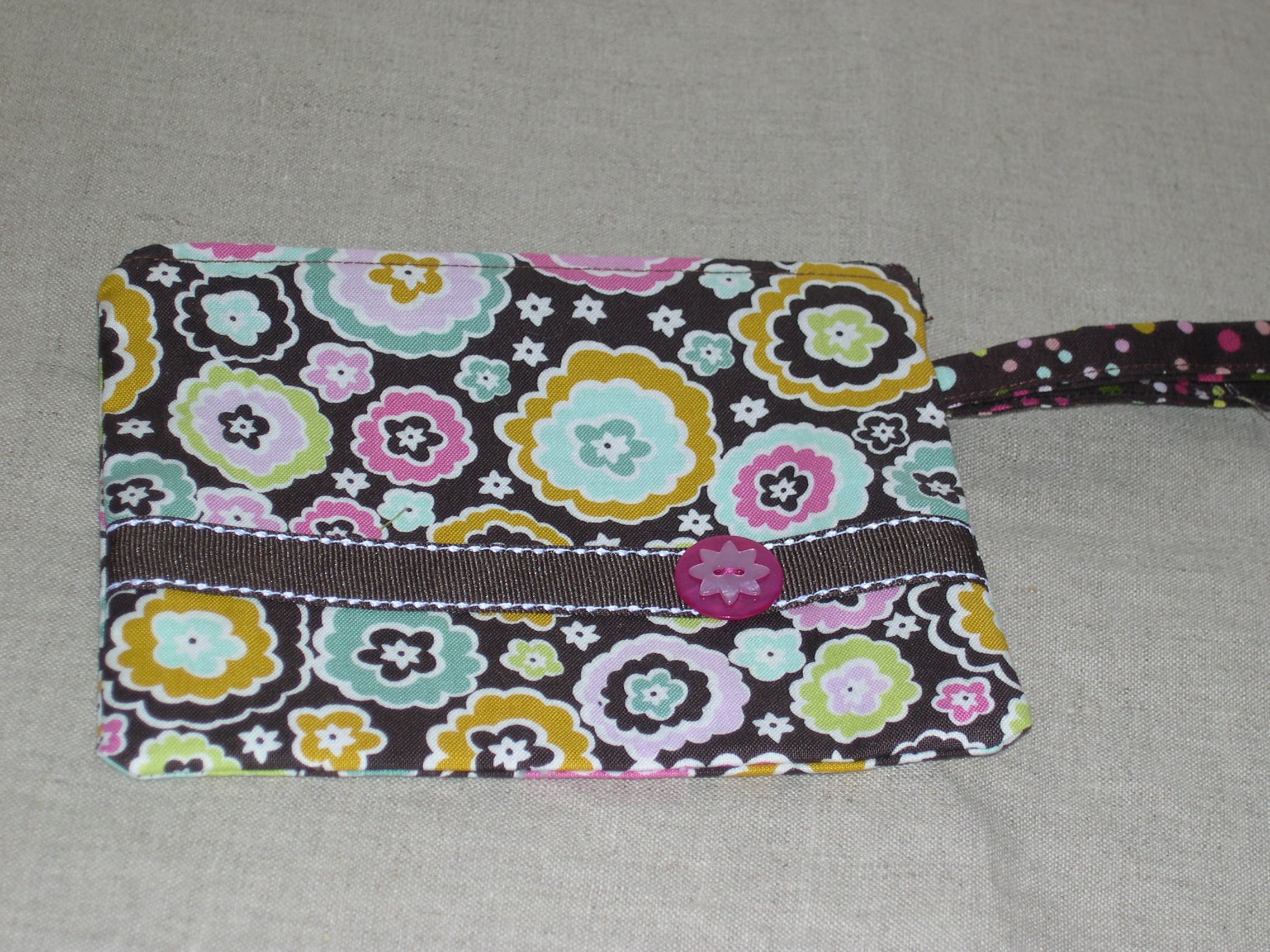 Zip purse with handle