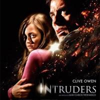 """""""Intruders"""" dirigida por Fresnadillo y protagonizada por Clive Owen. Avance, tráiler en español, cartel, las mejores imágenes y primeras críticas"""
