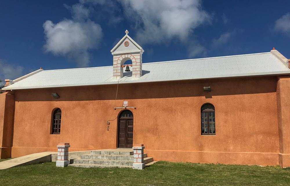 The Lifou school covers the entire island