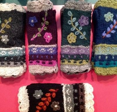 Floral Reed Fingerless Gloves