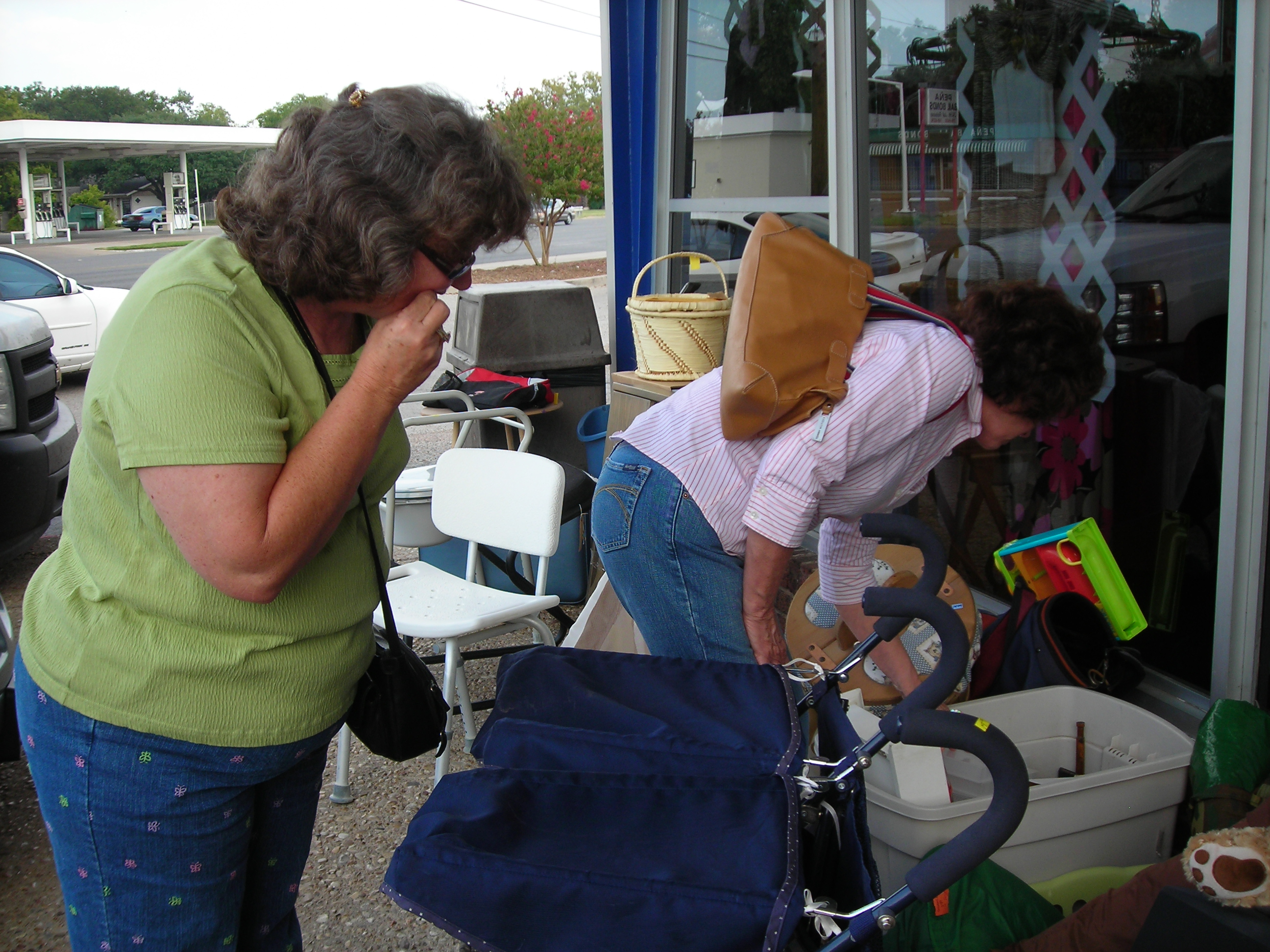 the girls getting down and dirty at the goodwill. you GO girls!