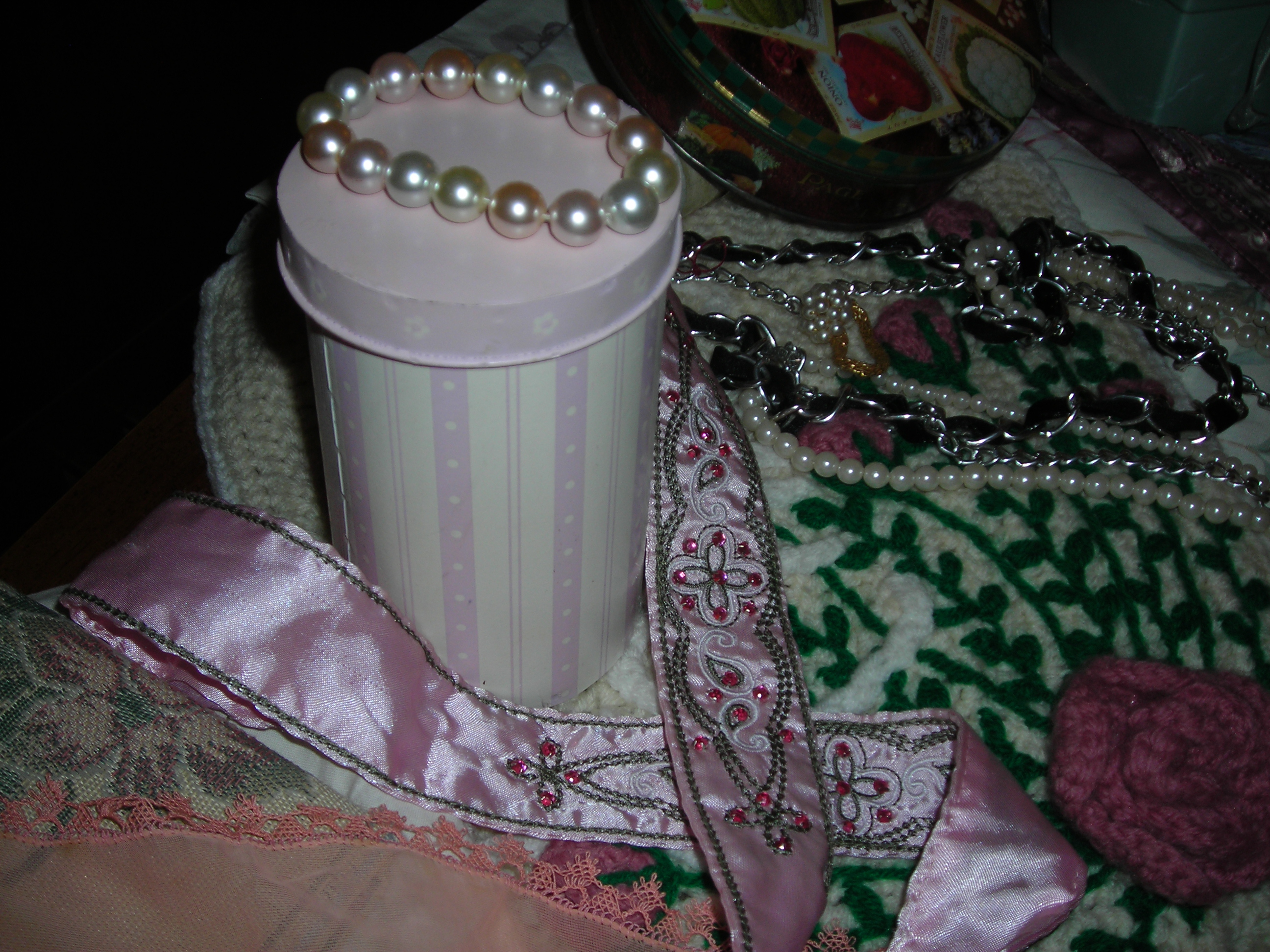 Love this sweet little pink tin