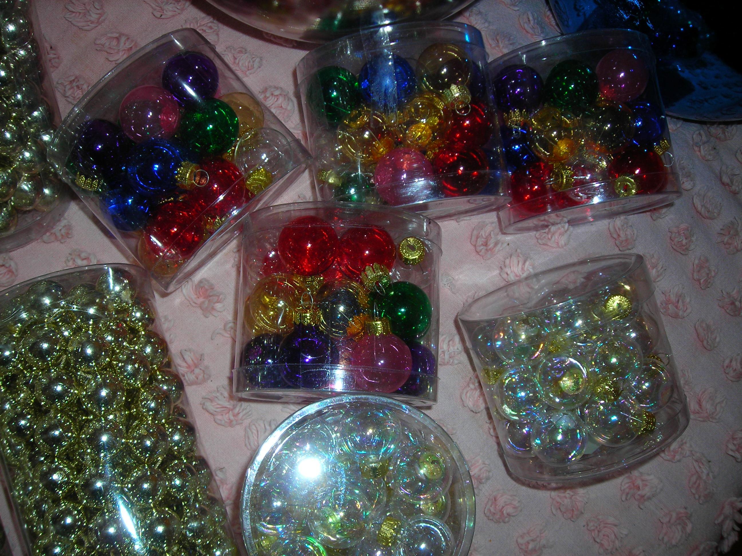 adorable miniature ornaments, different colors and clear ... just imagine the possibilities, esp at 20 cents per pkg!!