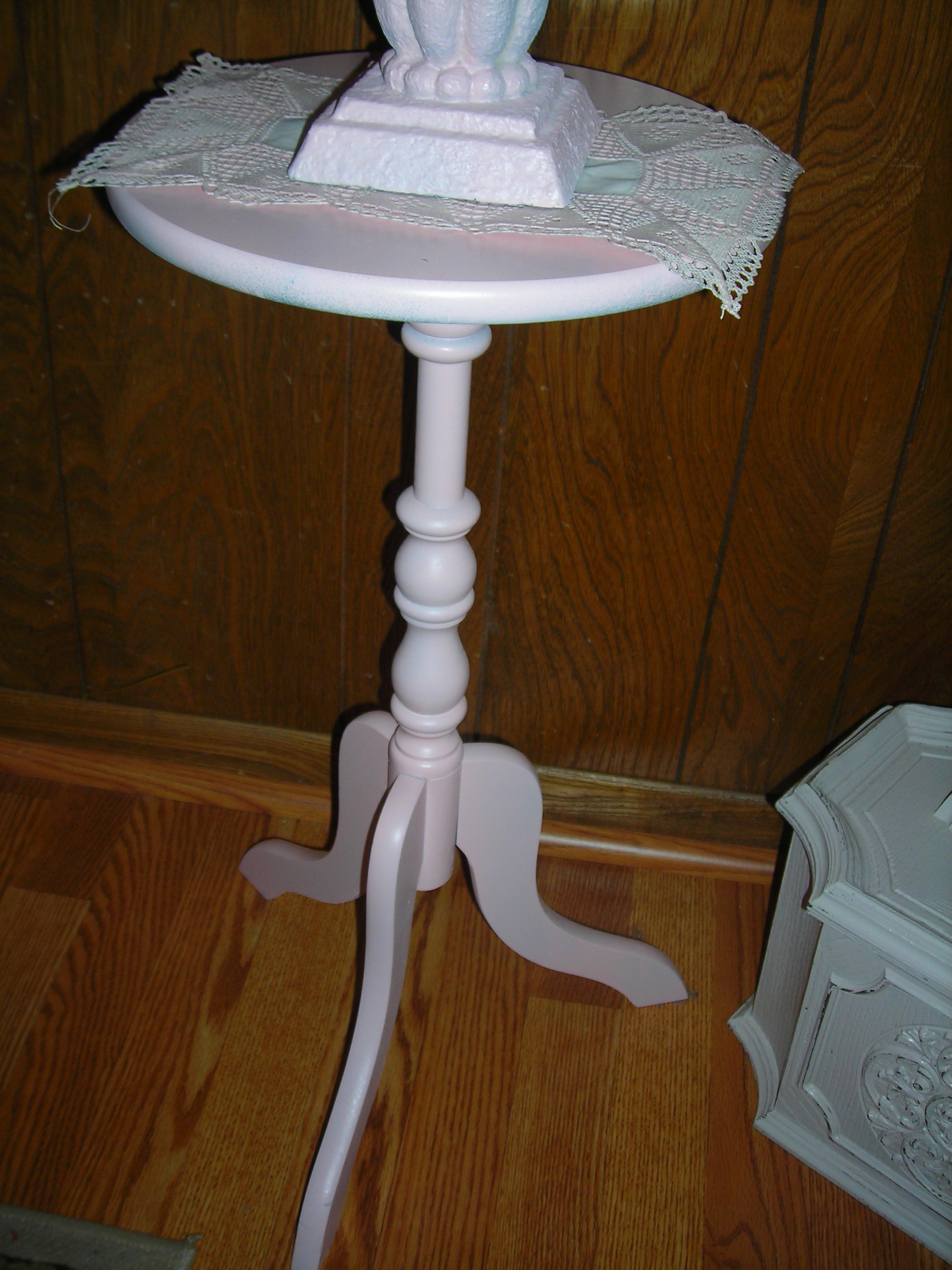 this was a lagniappe from my sister ... an old table she acquired while living in rochester, ny many years ago. it had dark legs with a marble top. yes, yes, i did. i painted it ALL pink. hubby says, 'even the marble top?!' yes, dear, even the marble top.