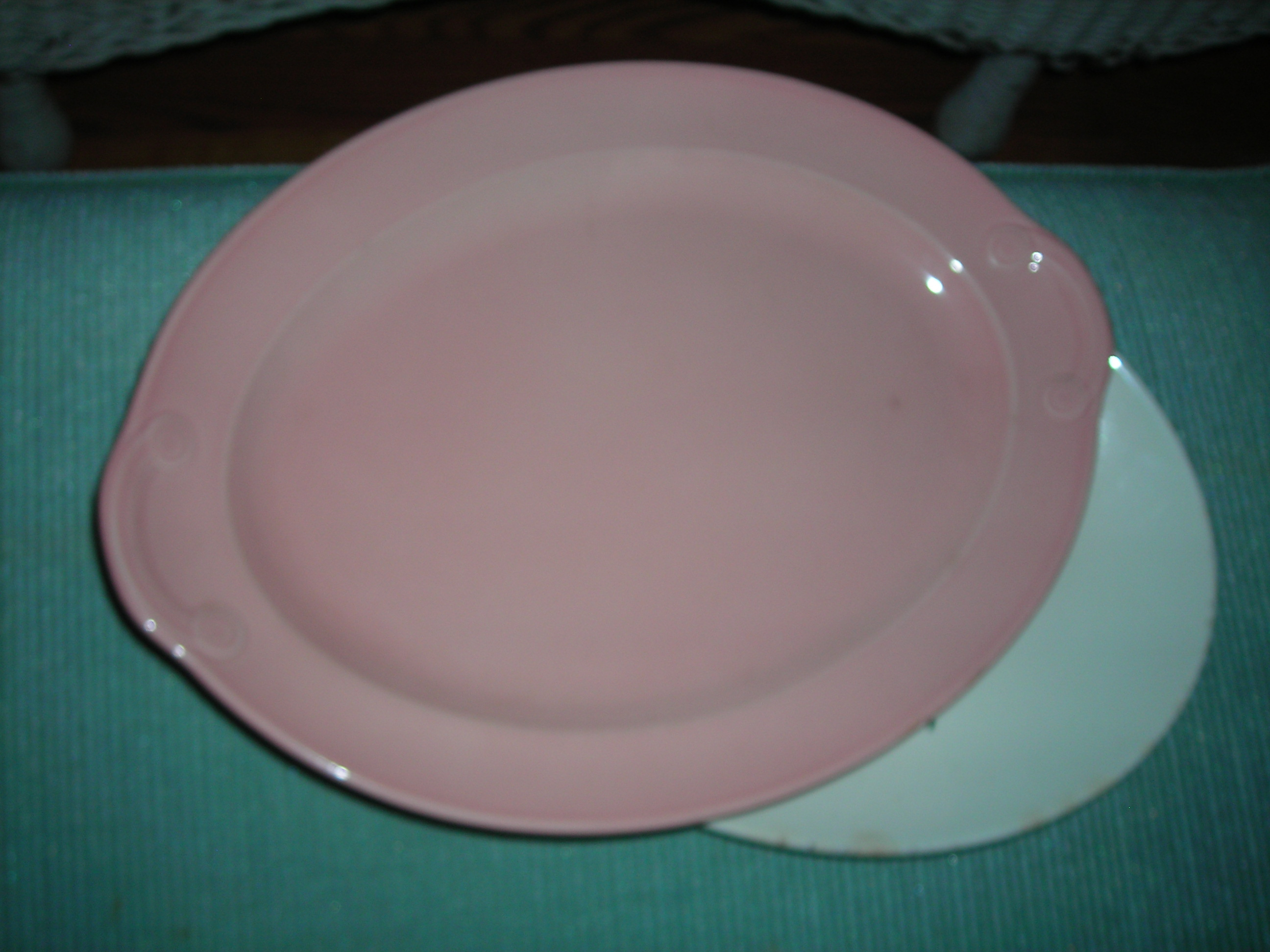 woohoo! found a PINK lu-ray platter for a steal! will add her to my growing lu-ray collection that started with my mom's blue platter. love those pastels!!