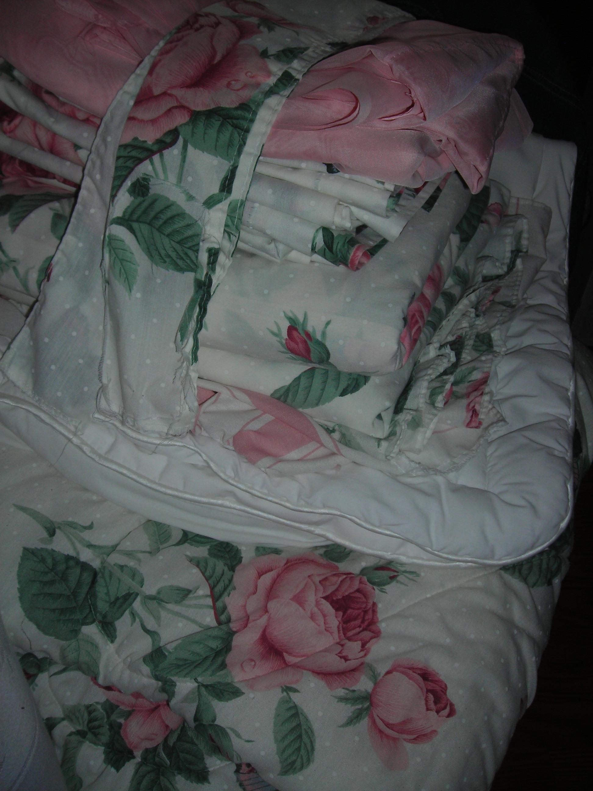 yummy pink rose comforter and curtains and sheets