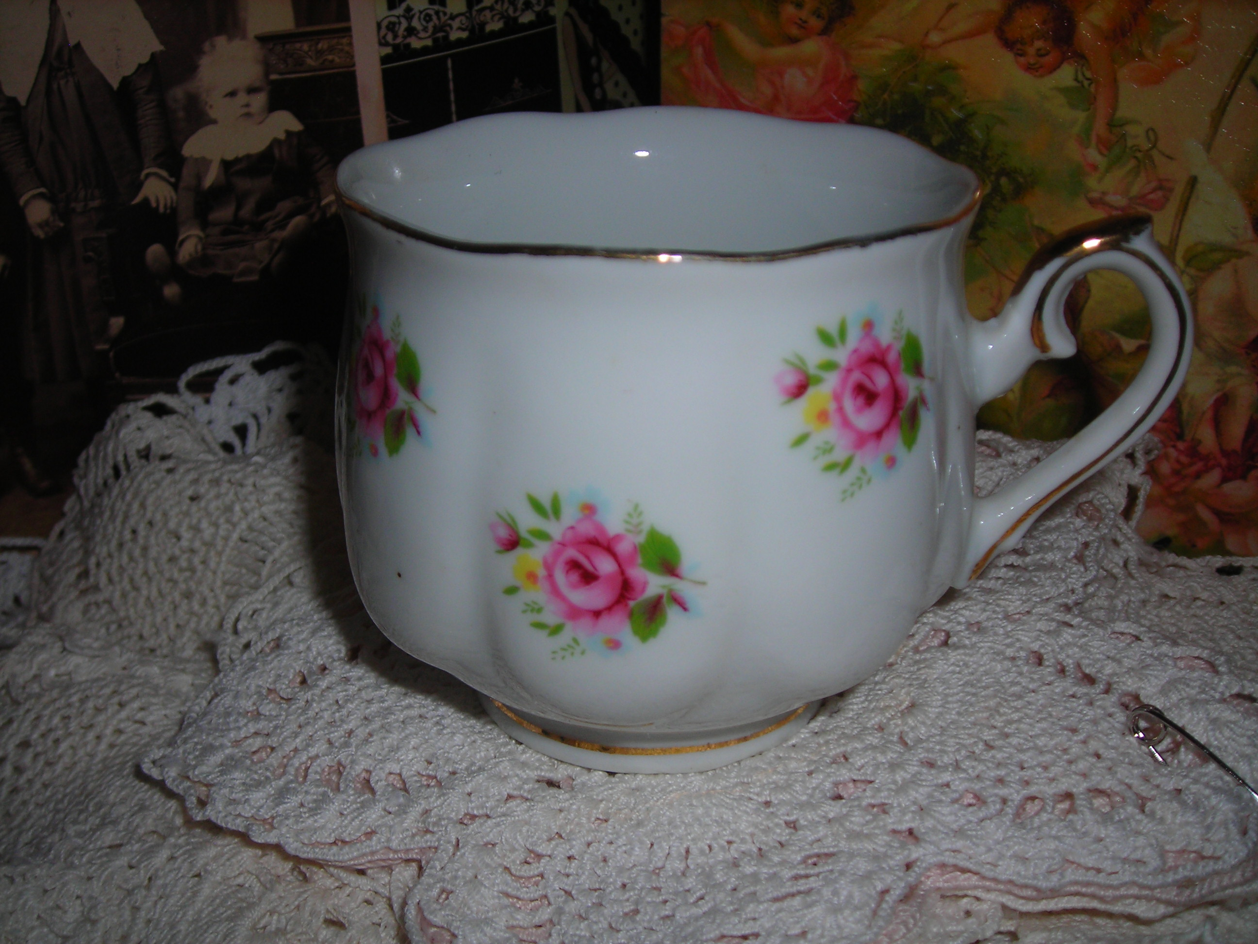 oh-so-lovely rose cup, again from the church rummage sale (part of my very well spent 4 bucks)