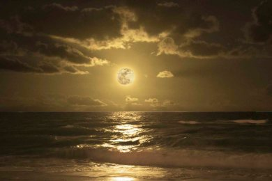 Moonrise Composit P
