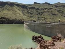 Owyhee Dam with reservoir/lake.
