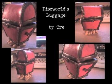 http://trelela.deviantart.com/art/Luggage-Model-46835204