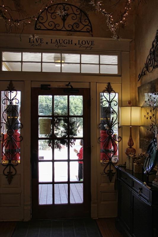 door with window above (533x800)