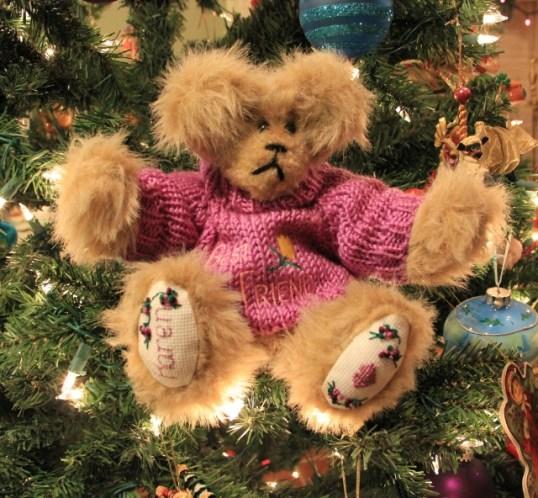 Karen Bear 002 (640x593)
