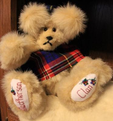 MacPherson Clan Bear 001 (372x400)