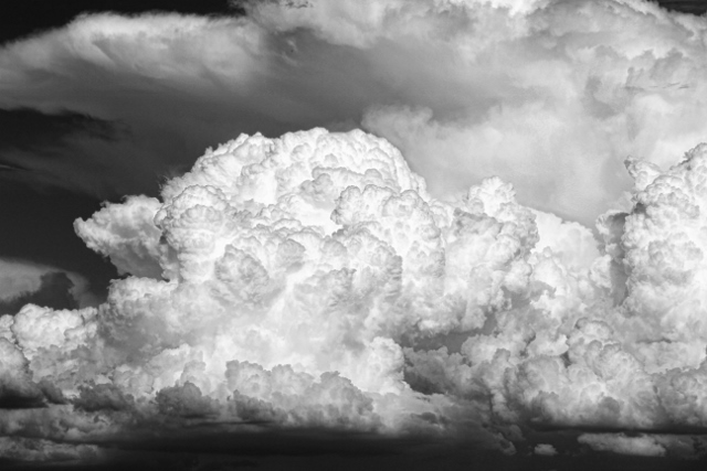 black and white storm clouds (640x427)