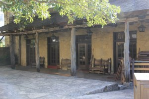 Building at the Alamo (640x427)