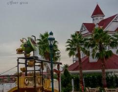 Mad Hatter Tea Party water2 900Orlando Disney RWA 2017 3627