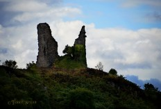 Castle Ruins on the hill 900 Scotland Sept 2015, 6244