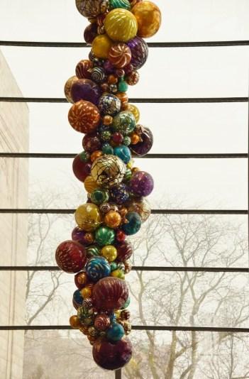 art museum balloons (672x1024)