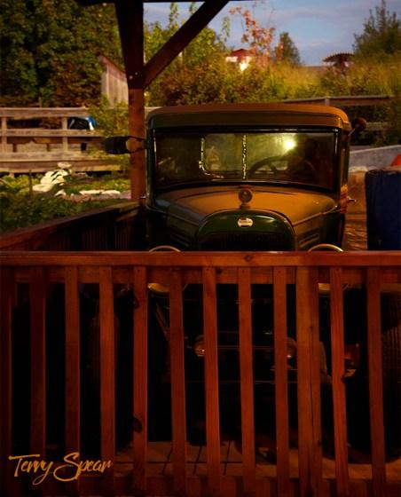 old model truck 1000 1045