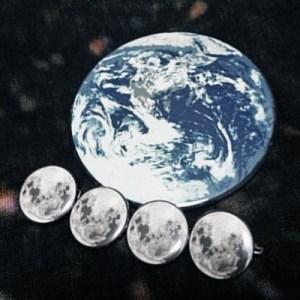 地球の直径は月の約4個分