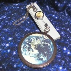 地球と月のパスケース_月のリール