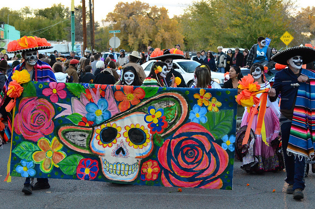 Perche-ai-messicani-piace-festeggiare-il-Dia-de-los-muertos-identita