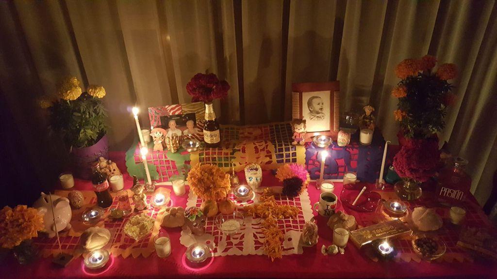 altares-de-muertos-en-los-hogares-de-la-red-karina-pineda