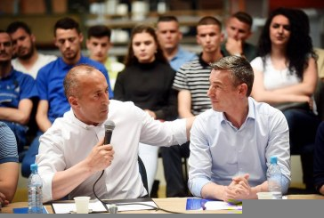 Dy koalicionet e mëdha të Kosovës vazhdojnë të fshehin listat e kandidatëve për deputet