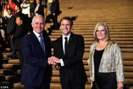 """Gafa e Macron: falënderoj kryeministrin australian dhe gruan e tij të """"shijshme"""""""