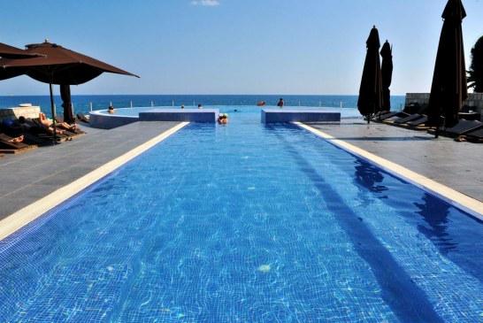 """Serbët bëhen gati të """"dalin në Durrës"""", por për turizëm"""