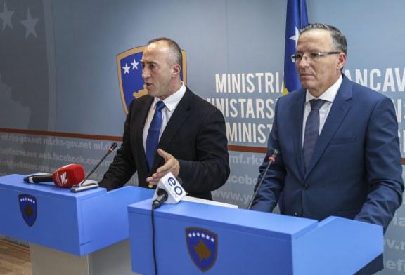 Befasi morale në politikën kosovare: si një ministër lufton shefin për mosrritje pagash