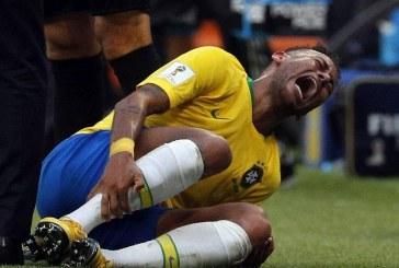 Simulimet estradeske të Neymar, ja si e imitojnë fëmijët (video)