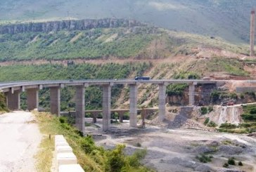 Kreu i rrugëve: ja kush i rrezikon urat në Shqipëri