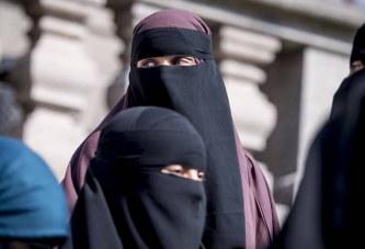 Algjeria e ndaloi nikabin dhe burkan në vendin e punës